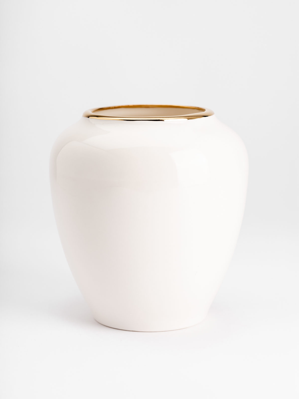 Love affair oval vase
