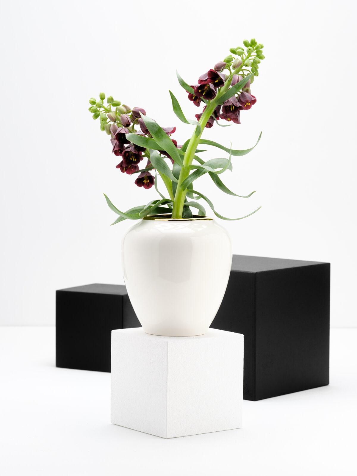 Love affair oval vase